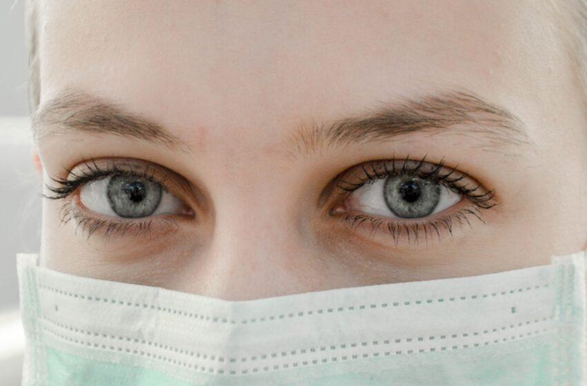 La OMS recomienda proteger los ojos del Covid-19
