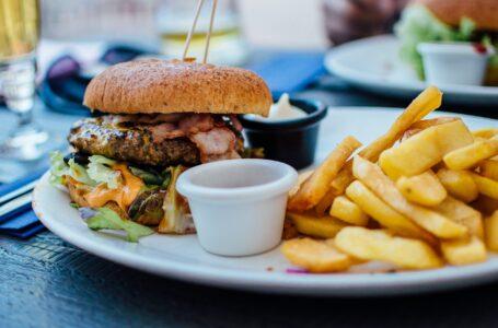 El riesgo de consumo de comida chatarra en los casos de covid-19