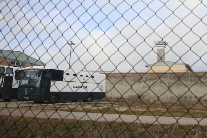 Teledermatología y Atención en Salud Mental para presos vía Skype
